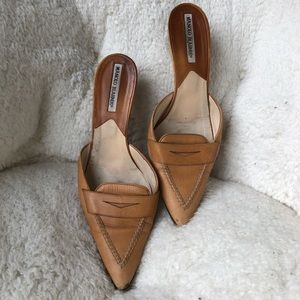 Manolo Blahnik leather kitten heel mule slide on